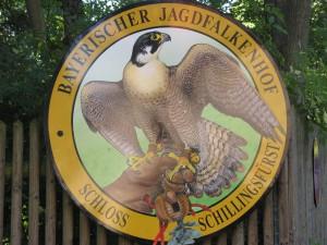 Bayrischer_Jagdfalkenhof_Schloss_Schillingsfürst_4820_1024