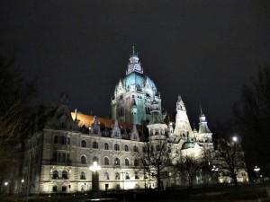 Neues_Rathaus_bei_Nacht_4398_1024