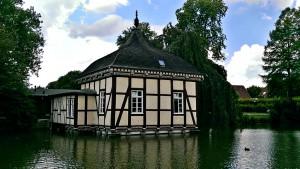 Lusthaus_12.36.04_1024