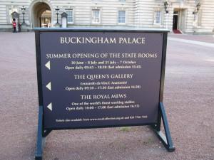 Buckingham_Palace_0275_1024