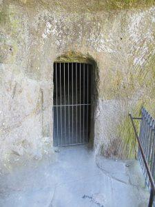 Grotte_Grottenfelsen_4459_1024