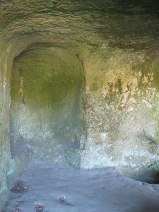 Grotte_Grottenfelsen_4466_1024