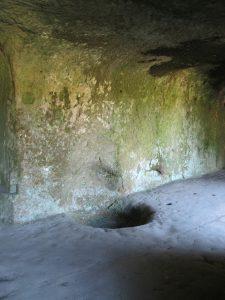 Grotte_Grottenfelsen_4468_1024