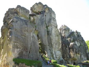 Treppen_Turm_Grottenfelsen_von_O_4403_1024